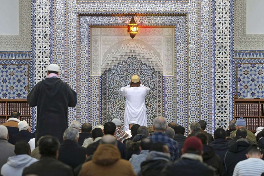Hundreds of French mosques are participating in a major open-house event this weekend.
