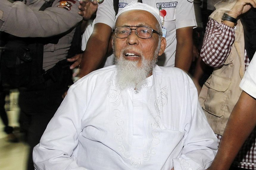 JI founder Abu Bakar Bashir changed his mind after a team he sent to Turkey studied ISIS and reported its findings to him.