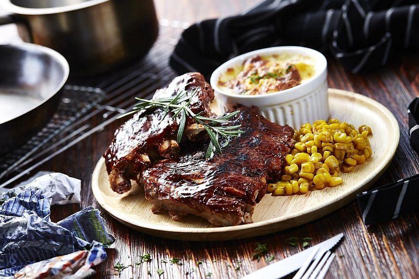 Barbecued Pork Ribs ($14.90).