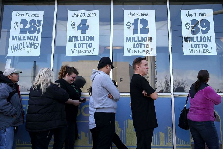 People queueing to buy Powerball tickets at a store in San Lorenzo, California, on Jan 13.