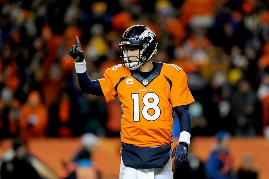 Denver Broncos' Peyton Manning signals to the sideline during the AFC Divisional Playoff Game on Jan 17, 2016.