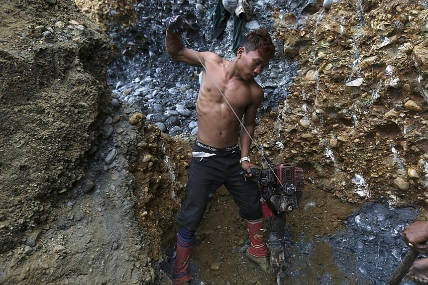 Many mine workers and scavengers have become addicted tomethamphetamine and heroin. Sometimes, their bosses give them the drugs to extract more work from them.