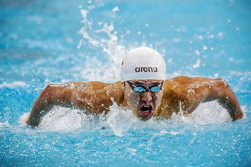 Quah Zheng Wen, 19, on his way to winning the 200m fly 'A' final at the Arena Pro Swim Series in Austin. He did well to beat a decent field which was missing specialists Michael Phelps, Jack Conger and national team-mate Joseph Schooling.