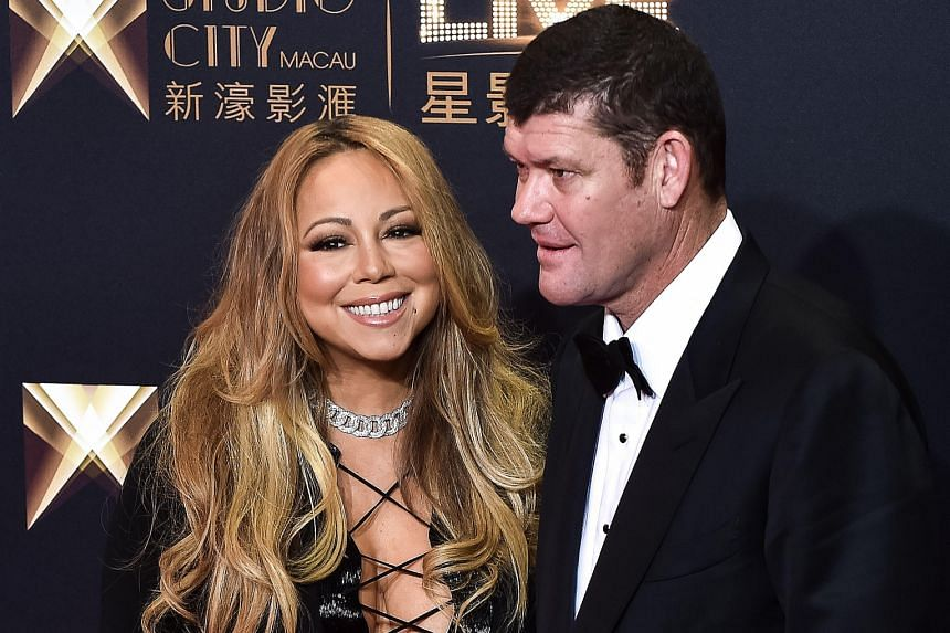 Australian billionaire James Packer had reportedly proposed to singer Mariah Carey (both left) with a 35-carat ring.