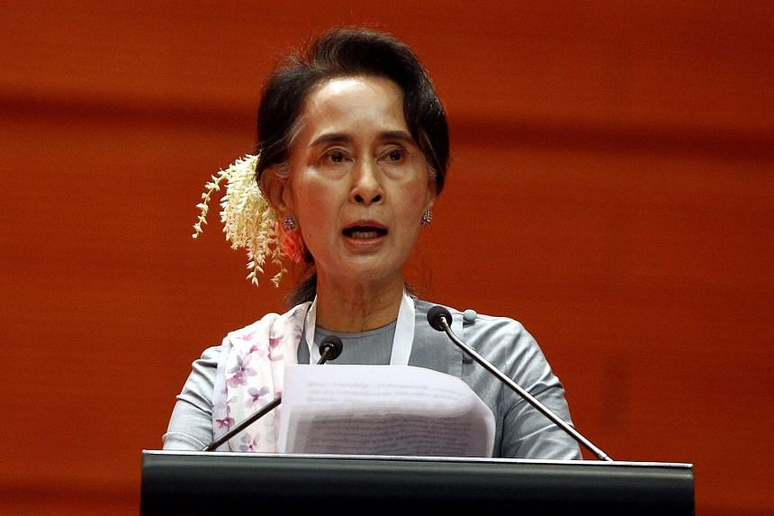 Myanmar democracy leader Aung San Suu Kyi delivers a speech during the Peace Conference at the Myanmar Convention Center in Naypyitaw, Myanmar, on Jan 12, 2016.