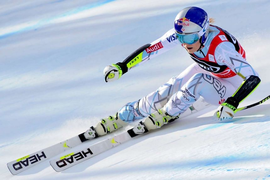 Lindsey Vonn competes in the FIS Alpine Skiing World Cup Women's SuperG on Jan 24, 2016 in Cortina d'Ampezzo.