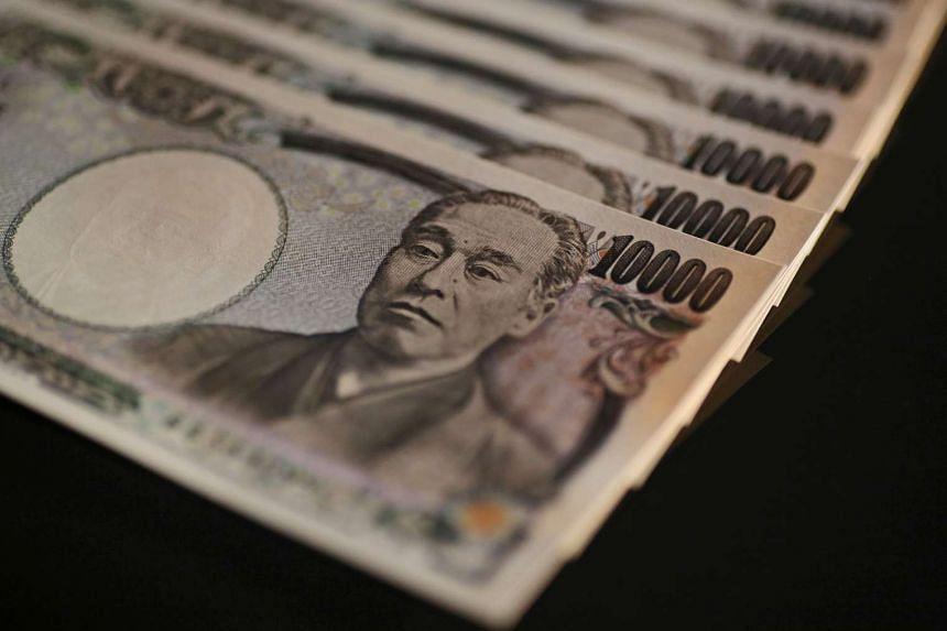 Japanese 10,000 yen banknotes.