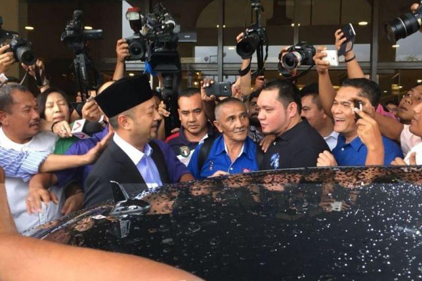 Kedah Menteri Besar Datuk Seri Mukhriz Mahathir (second from left) at Putra World Trade Centre on Jan 29, 2016.
