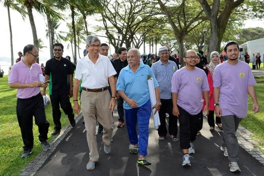 Dr Yaacob joining in the Run & Walk.