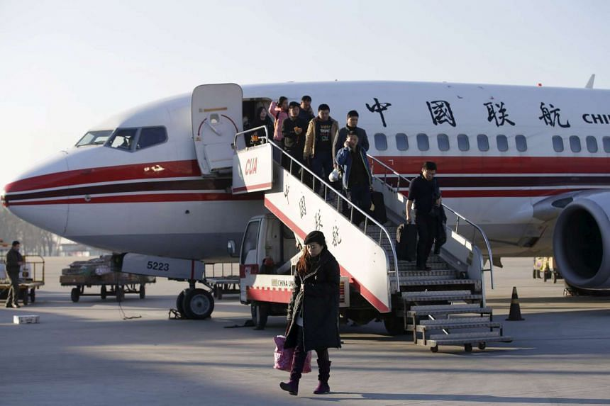 China's leading airlines will blacklist rowdy passengers and ban them from any of their flights.