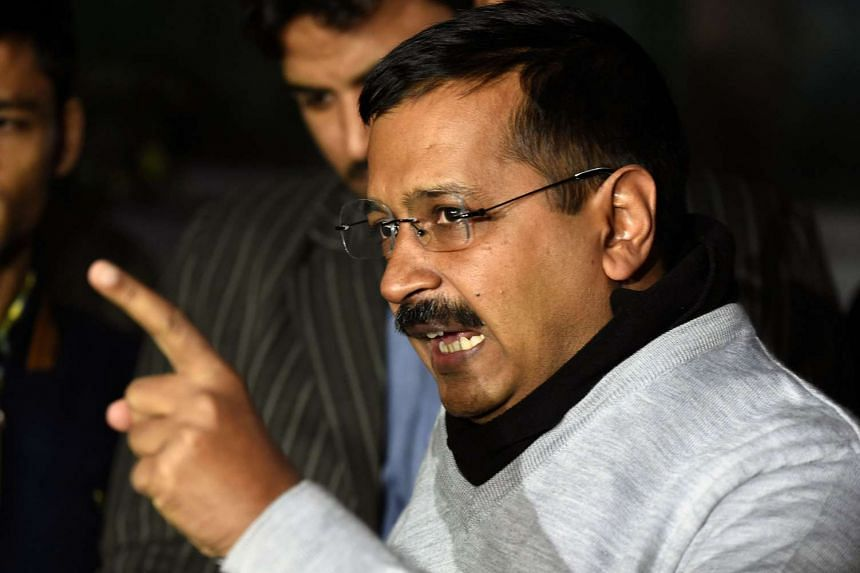Delhi Chief Minister Arvind Kejriwal tweeted that he strongly condemned the attack on the students protesters.