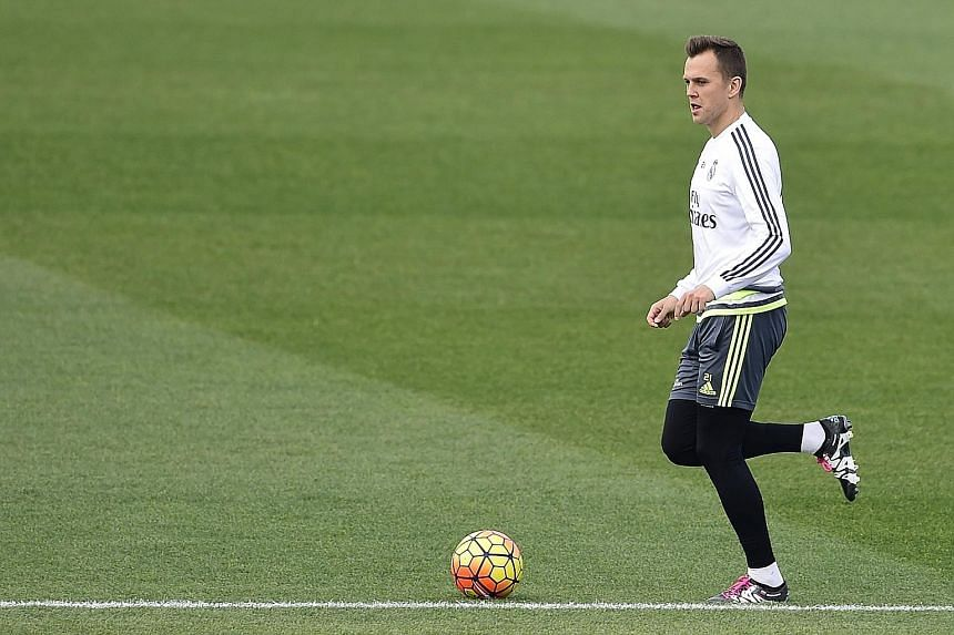 Russian midfielder Denis Cheryshev could be handed his debut against Barcelona after joining Valencia on loan from Real Madrid.