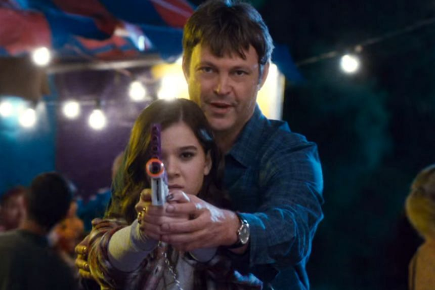 Vince Vaughn (left) and Hailee Steinfeld (right).