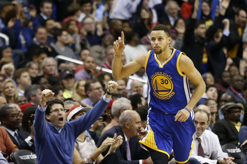 Stephen Curry scored 51 points for the Golden State Warriors on their way to defeat the Washington Wizards on Feb 3, 2016.