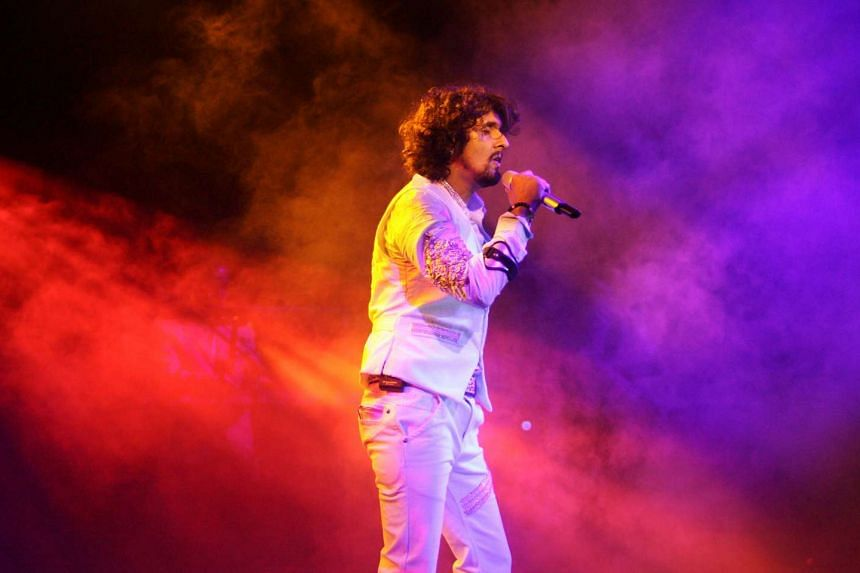 Sonu Nigam performing at his concert at Suntec City Convention Hall on Jan 2, 2010.