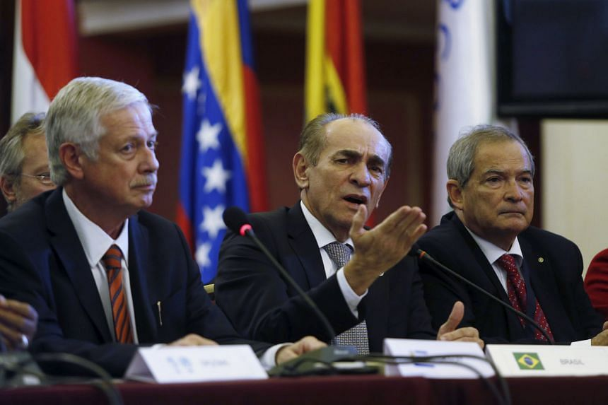 (Above, from left) Uruguayan Health Minister Jorge Basso with Brazilian counterpart Marcelo Castro and Argentinian counterpart Jorge Daniel Lemus at a joint news conference in Montevideo on Wednesday. They were among ministers from 14 Latin American
