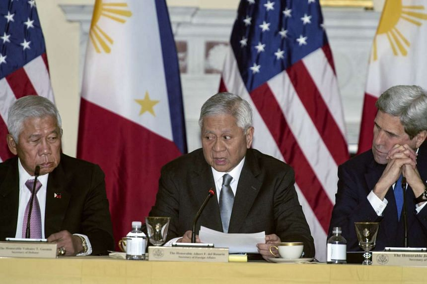 Philippine Foreign Minister Albert del Rosario (centre) has resigned due to ill health.