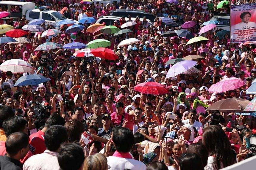 A view of the crowd as Filipino Senator Ferdinand Marcos Jr arrives at the provincial capital Laoag in Ilocos Norte, Philippines on Feb 9, 2016.