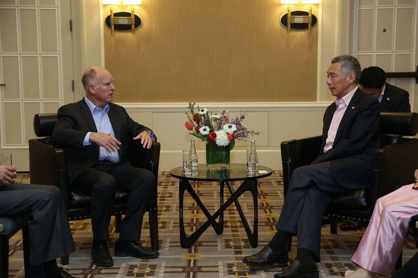 PM Lee (right) met Governor of California Jerry Brown on Thursday Feb 11, 2016 (San Francisco time).
