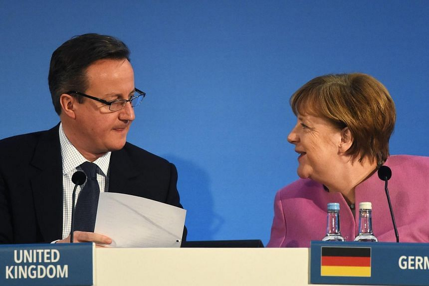 Germany's Chancellor Angela Merkel (right) and Britain's Prime Minister David Cameron at the Supporting Syria & The Region conference in London, Britain, on Feb 4, 2016.