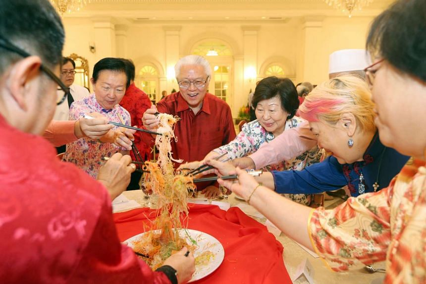 President Tony Tan Keng Yam and Mrs Mary Tan hosted elderly beneficiaries, volunteers and staff from Reach Community Services Society to Lo Hei and lunch at the Istana on Feb 15, 2016 in celebration of Chinese New Year.