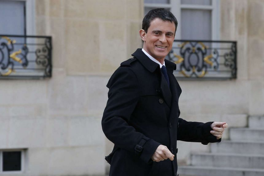 French Prime Minister Manuel Valls leaves the Elysee presidential palace after the weekly Cabinet meeting on Feb 17, 2016.