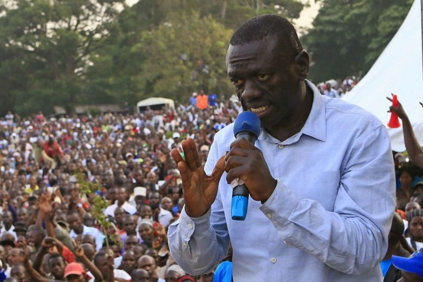 Besigye addresses a campaign rally in January 2016.