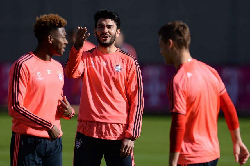 Bayern's David Alaba, Serdar Tasci, Joshua Kimmich training in Munich, Feb 22, 2016.