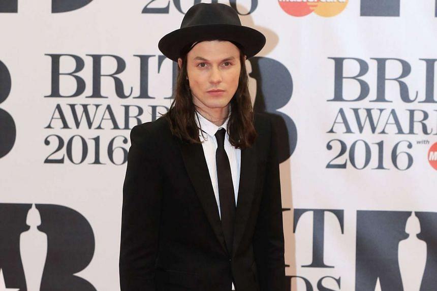 Singer James Bay arrives at the Brit Awards, Feb 24, 2016.