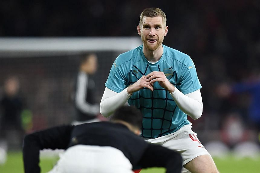 Defender Per Mertesacker has called on his Arsenal team-mates to bounce back in their next match against Manchester United.