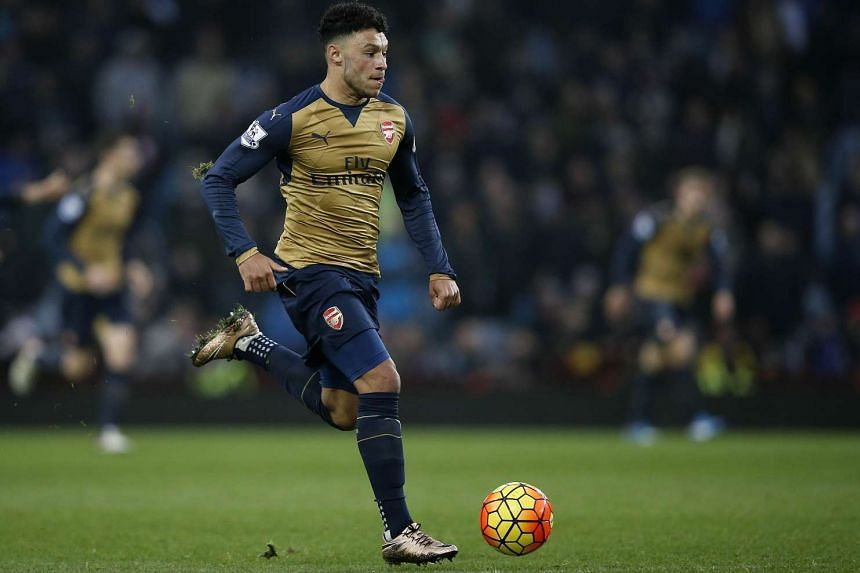 England and Arsenal winger Alex Oxlade-Chamberlain is expected to be fit in time for Euro 2016.