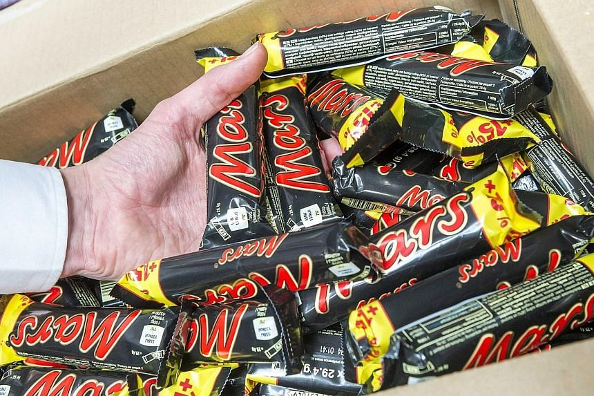 Mars chocolate bars were among the products hit by chocolate maker Mars' global precautionary recall of products on Tuesday after a customer in Germany found a piece of red plastic in a Snickers bar last month.