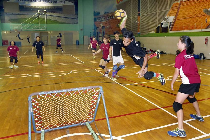 An attacking player going up for a shot. The ball must hit the frame and bounce outside the 'D' without being caught by the defending team for a point to be scored. Besides getting funds, securing NSA status will give tchoukball more recognition.