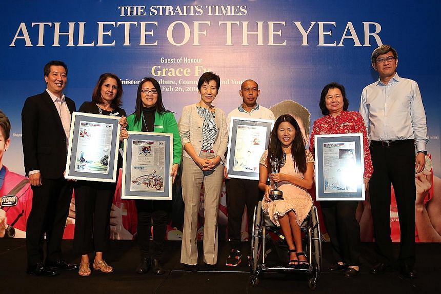 Yip Pin Xiu and Khairul Anwar with the mothers of fellow nominees Shanti Pereira (second from left), Shayna Ng (third from left), Joseph Schooling (second from right), Minister Grace Fu (fourth from left), flanked by ST sports editor Marc Lim and F&N
