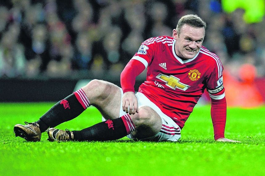 Wayne Rooney will not be able to play against Germany and the Netherlands next month due to his knee injury.