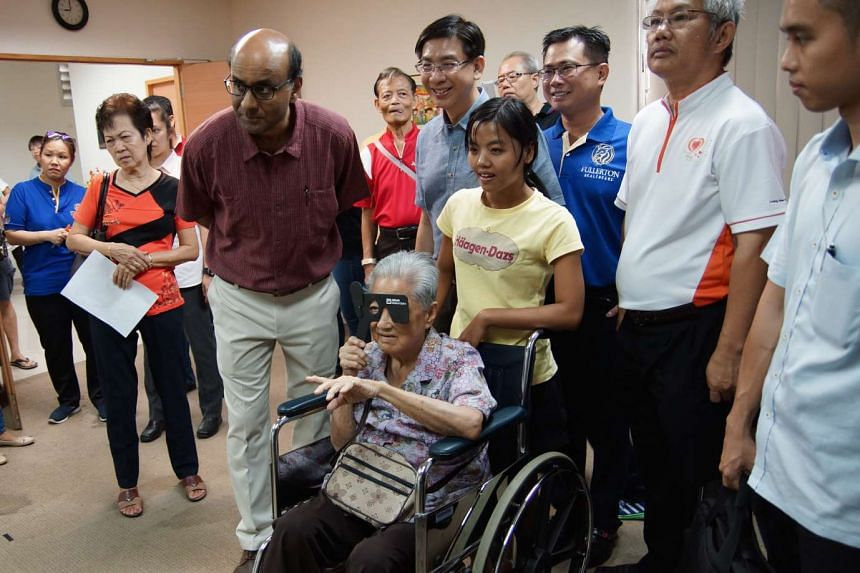 (From left) Deputy Prime Minister Tharman Shanmugaratnam, Jurong GRC Grassroots Organisation advisor Ang Wei Neng, Group Deputy Chief Executive Officer Co-Founder Dr Daniel Chang, and Loving Heart Multi-Service Centre (Jurong) Chairman Goh Cheng Tee