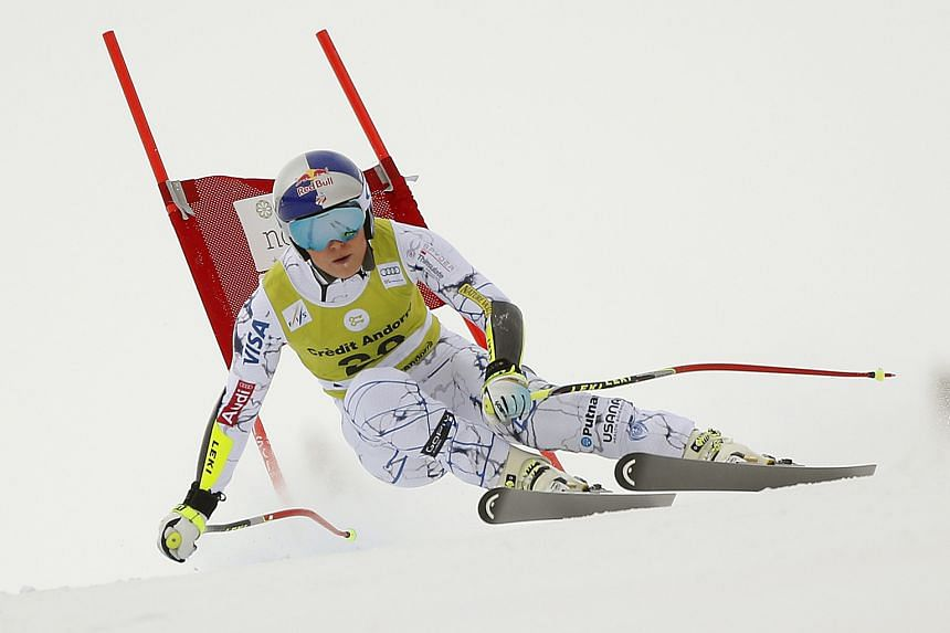 Despite suffering a hairline fracture of the left knee on Saturday, Lindsey Vonn competed in the super-combined in Soldeu, Andorra the next day to add to her World Cup points total.