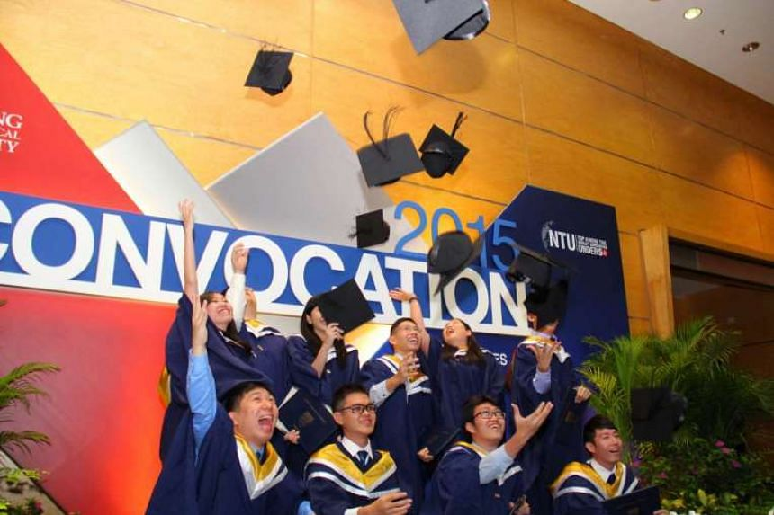 Median salaries for university graduates from NUS, NTU, and SMU rose to a new high in 2015.