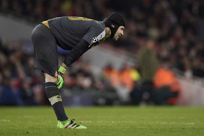 Arsenal's hopes of capturing their first Premier League title in 12 years took a hit with goalkeeper Petr Cech's injury.