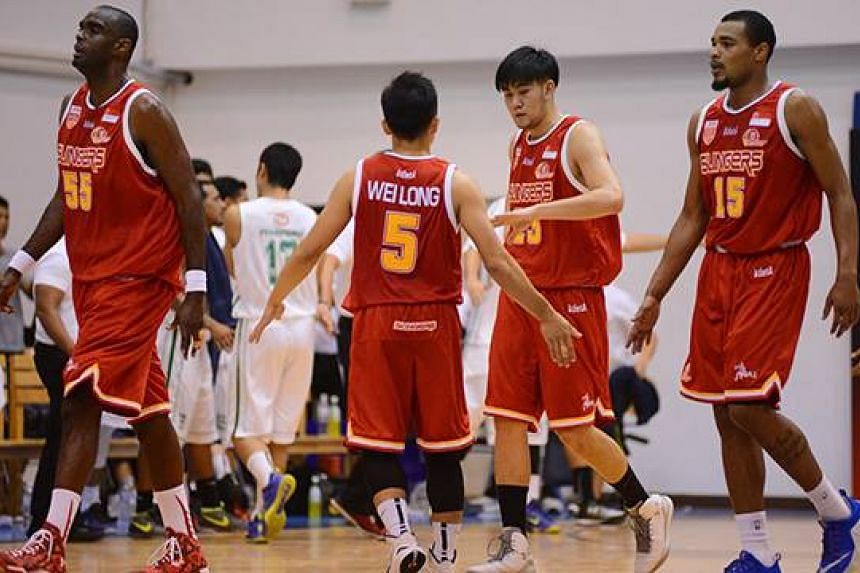 The Singapore Slingers beat defending champions Hi-Tech Bangkok City 95-66 in the second match of the ABL semi-finals.