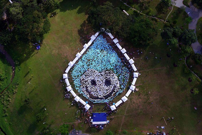 Aerial photo of Water Wally formation at the Singapore World Water Day 2016 Opening Ceremony at Kallang River @ Bishan-Ang Mo Kio Park.