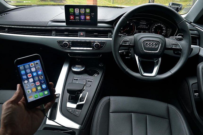 The new Audi A4 comes with Apple CarPlay, which allows the driver to access most of the functions on his iPhone.