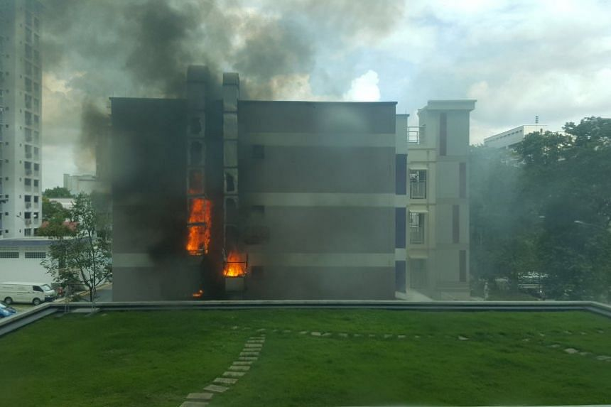 A fire broke out at an HDB block in Jurong West Avenue 1 on March 5, 2016.