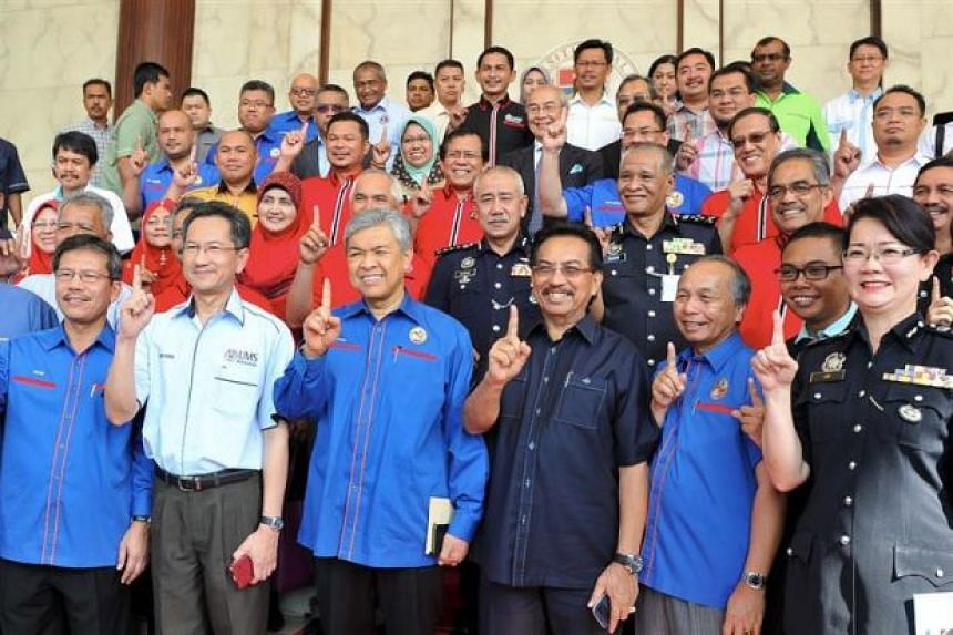 Malaysian Depity Prime Minister Zahid Hamidi (third from left) at Universiti Malaysia Sabah on March 5, 2016.