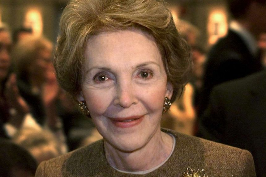 Former US first lady Nancy Reagan smiles at the Ronald Reagan Library in Simi Valley, California on Nov 18, 1999.