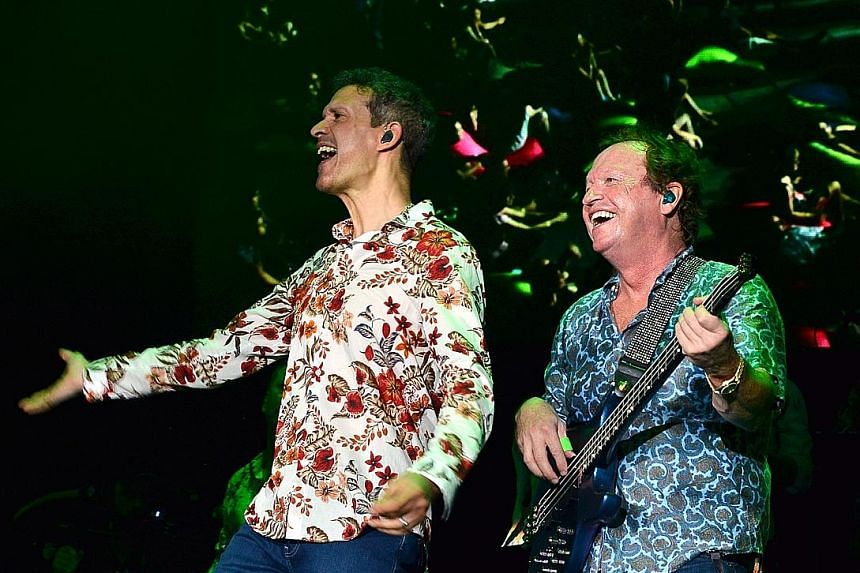Level 42's Mike Lindup (left) and Mark King (right).