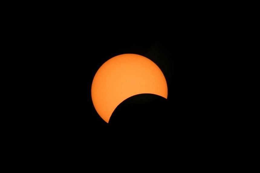 An image of a solar eclipse.