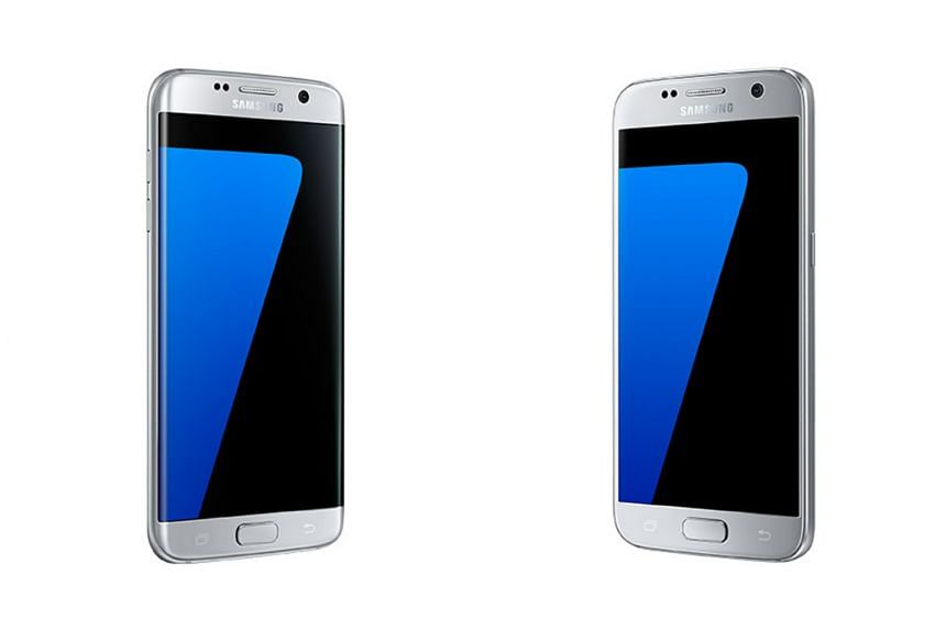 The Samsung Galaxy S7 edge (left) and the S7.