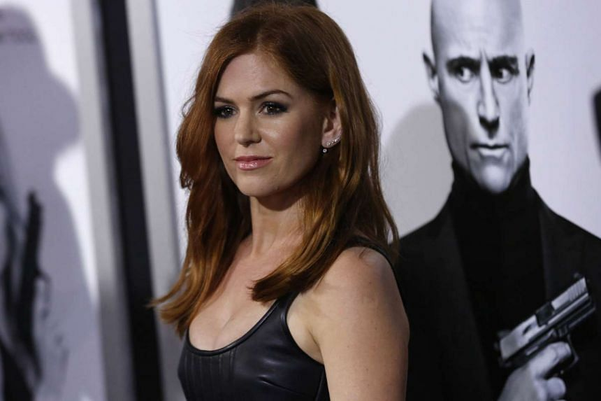 Isla Fisher says she did not know that doing comedy was an option for her when she was a young actress.