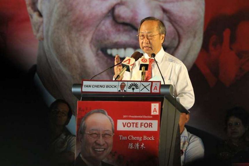Dr Tan Cheng Bock speaking at his rally at the Singapore Expo on Aug 25, 2011.